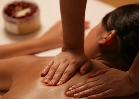 Samo 1.000 din za čak 5 profesionalnih terapeutskih ili relax masaža leđa sa razbijanjem bolnih tačaka u studiju Claire Vračar!
