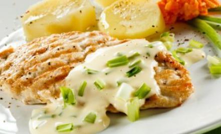 Samo 590 din ćuretina u mocareli za 2 osobe + pomfrit + 2 supe u restoranu Dunavska priča! Vrhunska klopa uz pogled na Dunav!