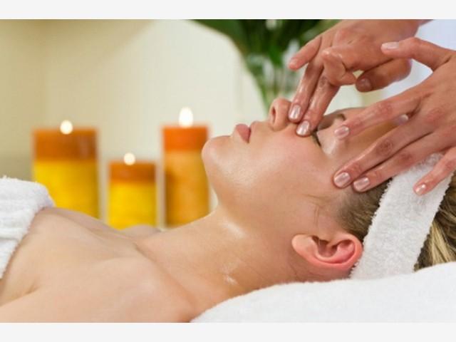 Samo 890 din Kleopatrin tretman lica (higijenski tretman) + tretman vrata i dekoltea + tretman šaka i stopala (90 min), Vission